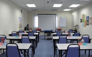 الصورة: الصورة: إلزام معهد تعليمي برد رسوم دورة لطالب