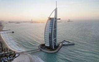 الصورة: الصورة: «برج العرب» ضمن أجمل 50 مبنى في العالم