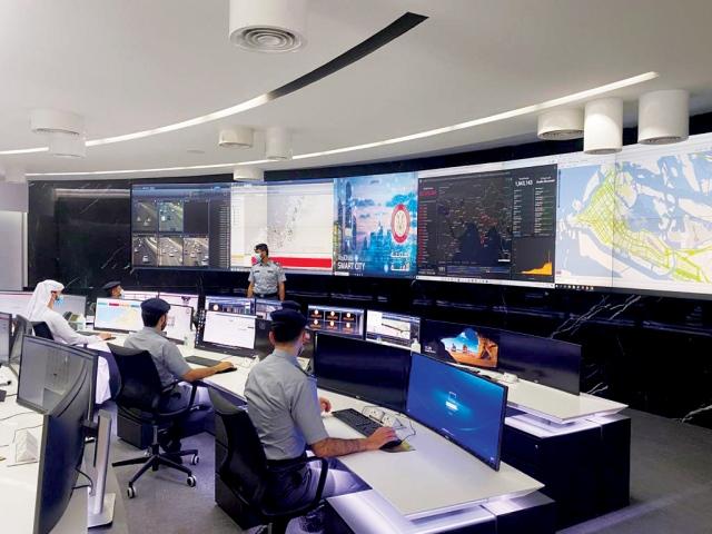 «التنمية الاقتصادية» تطلع على الأنظمة الأمنية الذكية بـ«المدينة الآمنة»
