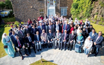 الصورة: الصورة: حمدان بن راشد عزز تأهيل قياديات المستقبل عبر «كلية آل مكتوم» بأسكتلندا