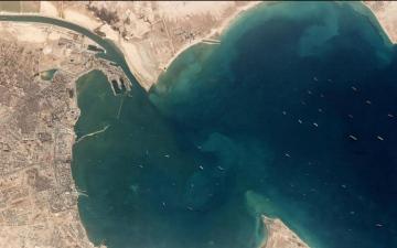 الصورة: الصورة: ازدحام مروري في قناة السويس..أقمار اصطناعية ترصد 200 سفينة