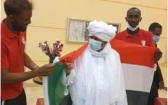 الصورة: الصورة: حمدوك يزور المنتخب السوداني بعد تأهله لنهائيات كأس إفريقيا
