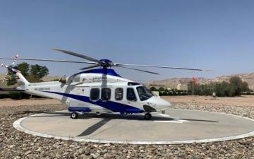 الصورة: الصورة: شرطة أبوظبي  تنقل مواطناً جواً من سلطنة عمان للعلاج بمستشفى توام