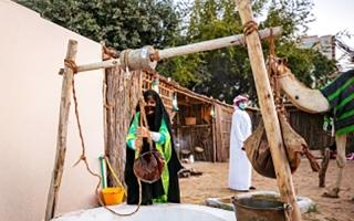 الصورة: الصورة: البيئة البدوية  تعبق أيام الشارقة للتراث برائحة الهيل