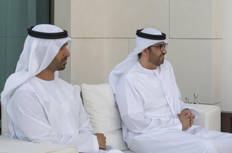 الصورة : حمدان بن محمد بن زايد وسلطان الجابر خلال اللقاء