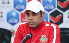 الصورة: الصورة: 3 مباريات تُقرب مهدي علي من رقم كوزمين