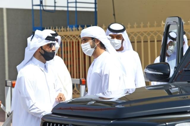 حمدان بن محمد يشهد تحديات رموز اللقايا في المرموم