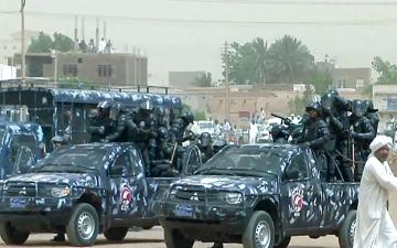 الصورة: الصورة: مصرع 5 ضباط من الشرطة السودانية في حادث سير مروع