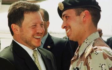 الصورة: الصورة: الأمير حمزة يتعهد بالولاء للعاهل الأردني وولي عهده