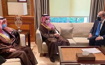 الصورة: الصورة: خادم الحرمين يجدد وقوف المملكة إلى جانب الأردن