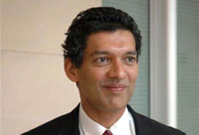 الصورة : إسوار براساد - أستاذ علوم الاقتصاد في جامعة كورنيل، وكبير زملاء مؤسسة بروكنجز.