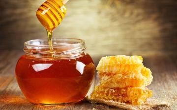 الصورة: الصورة: العسل فوائد مباشرة على الصحة والبشرة
