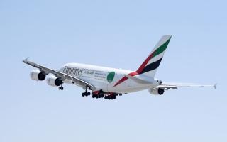 الصورة: الصورة: رحلة طيران الإمارات الخاصة تحتفي بنجاح برنامج التطعيم في الإمارات