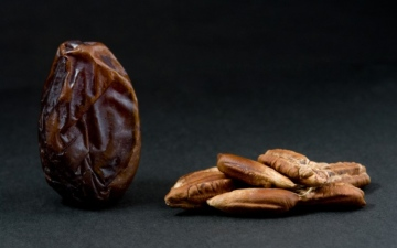 الصورة: الصورة: نواة التمر.. علاج سحري في رمضان