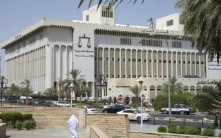حبس رئيس الوزراء الكويتي السابق جابر المبارك احتياطياً على ذمة قضية صندوق الجيش
