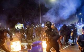 الصورة: الصورة: ليلة ثانية من الاحتجاجات  في منيابوليس الأمريكية