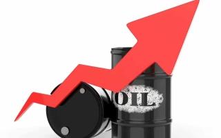 مؤشرات تنامي الطلب ترفع النفط 4%