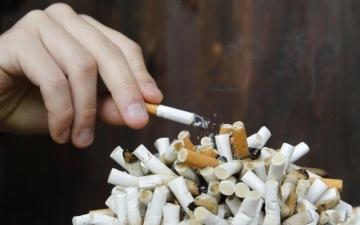 الصورة: الصورة: الجائحة ترفع معدل التدخين في بريطانيا!