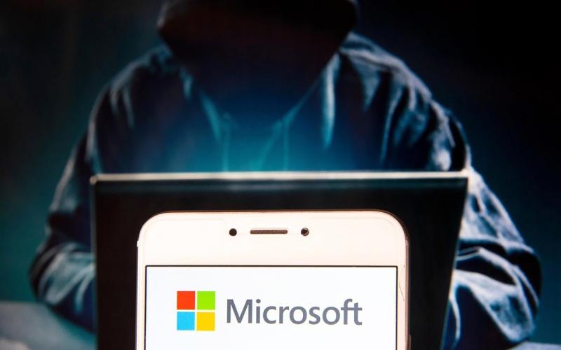الصورة: الصورة: إغلاق 145 ثغرة أمنية في «جوجل» و«مايكروسوفت»