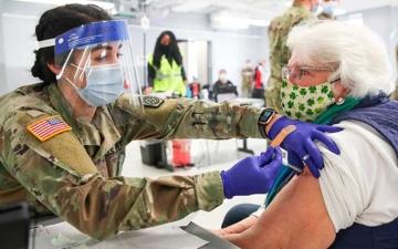 الصورة: الصورة: إصابات كورونا في أمريكا تصل إلى 31.5 مليوناً