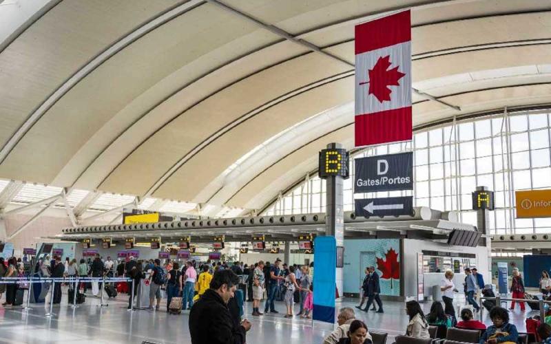 الصورة: الصورة: كندا تعلّق لشهر كل الرحلات القادمة من الهند وباكستان بسبب كورونا