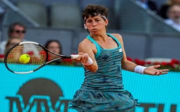 الصورة: الصورة: شفاء لاعبة التنس الإسبانية كارلا نافارو من مرض السرطان