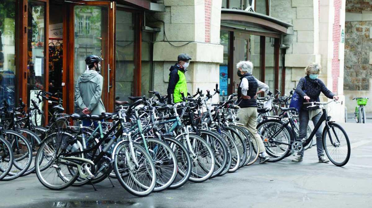 الدراجات الهوائية تشق طريقها لتكون وسيلة النقل الاساس في هذه الدولة الاوربية
