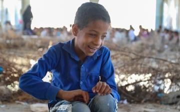 الصورة: الصورة: أحمد عبد الرقيب.. طفل كفيف بواقع مظلم وأحلام بيضاء