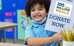 الصورة: الصورة: 37 مدرسة تشارك في جمع التبرعات للإسهام في مبادرة «المجتمع معنا»