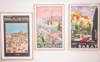 الصورة: الصورة: «كلمات من الشرق» ملصقات قديمة أبدعها رسامون متخصصون