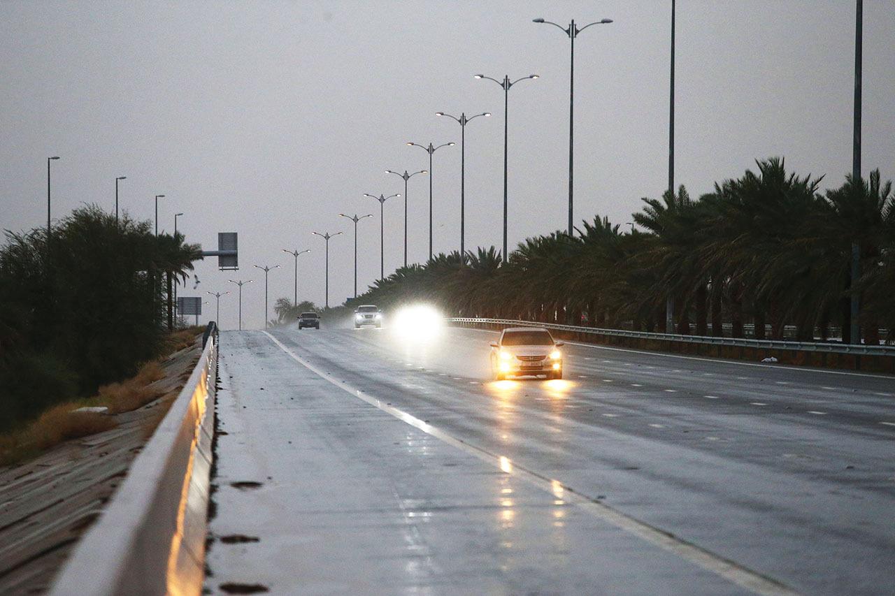 الصورة : أمطار الخير على العين | تصوير: سيف الكعبي