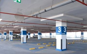 الصورة: الصورة: إشادة عالمية بتصميم مرآب سيارات في دبي يعمل بالطاقة الشمسية