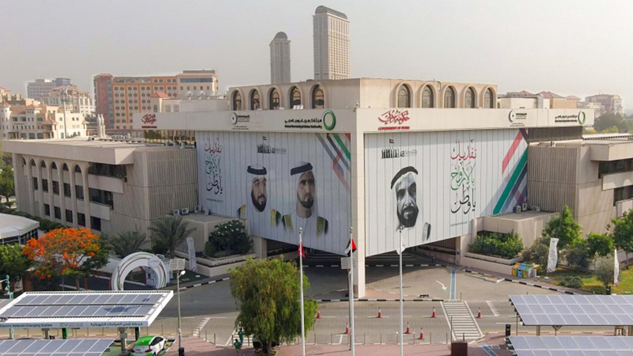 الصورة : كهرباء دبي تمكن المتعاملين من تبني نمط حياة مستدام | من المصدر
