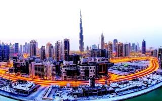 دبي تستعيد نمو ما قبل الجائحة