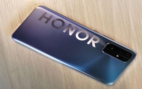 """الصورة: الصورة: """"هونر"""" الصينية تعلن موعد إطلاق هاتفيها المنتظرين"""