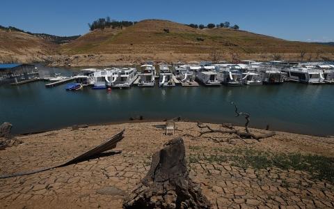 الصورة: الصورة: أزمة مياه متزايدة في كاليفورنيا وحاكم الولاية يعلن حالة الطوارئ