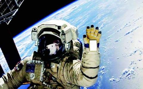 الصورة: الصورة: تدريب أول بعثة خاصة إلى محطة الفضاء الدولية