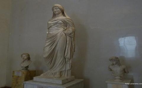 الصورة: الصورة: إعادة تمثال «بيرسيفوني» إلى ليبيا