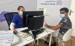 الصورة: الصورة: إقبال كبير على «التطعيم» في مركز الخبيصي بالعين