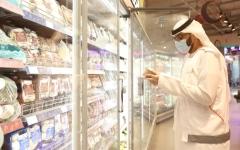 الصورة: الصورة: 99 % التزام المؤسسات بالإجراءات في دبي