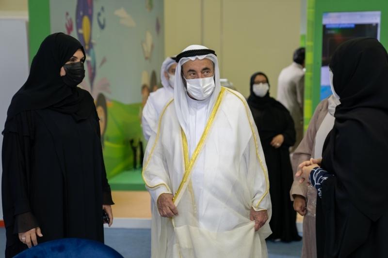 الصورة : سموه خلال افتتاح المهرجان | من المصدر
