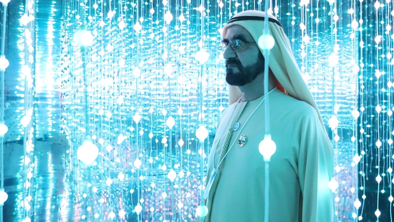 الصورة : محمد بن راشد يؤكد دائماً أن التقنيات الرقمية ستقود التنمية خلال العقد المقبل   أرشيفية