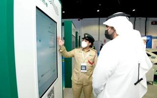 الصورة: الصورة: شرطة دبي تعرض منصة «ecrime» في «معرض المطارات 2021»
