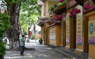 """الصورة: الصورة: فيتنام تغلق المطاعم في """"هو تشي منه"""" بسبب تفشي الجائحة"""