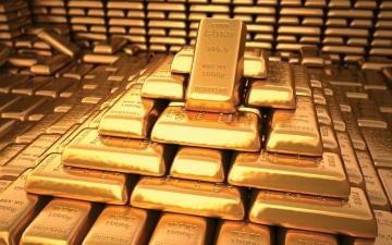 الصورة: الصورة: الذهب يستهدف أكبر صعود شهري في 10 أشهر