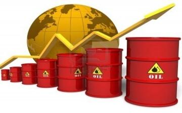 الصورة: الصورة: النفط يسجل أعلى مستوياته في 15 شهراً