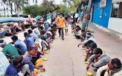 الصورة: الصورة: «معسكر الفقر» يستقبل الملايين.. برعاية «كورونا»