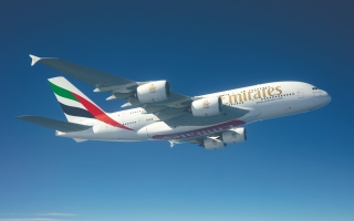 الصورة: الصورة: طائرة الإمارات A380 إلى البحرين بخدمات منتظمة خلال يونيو