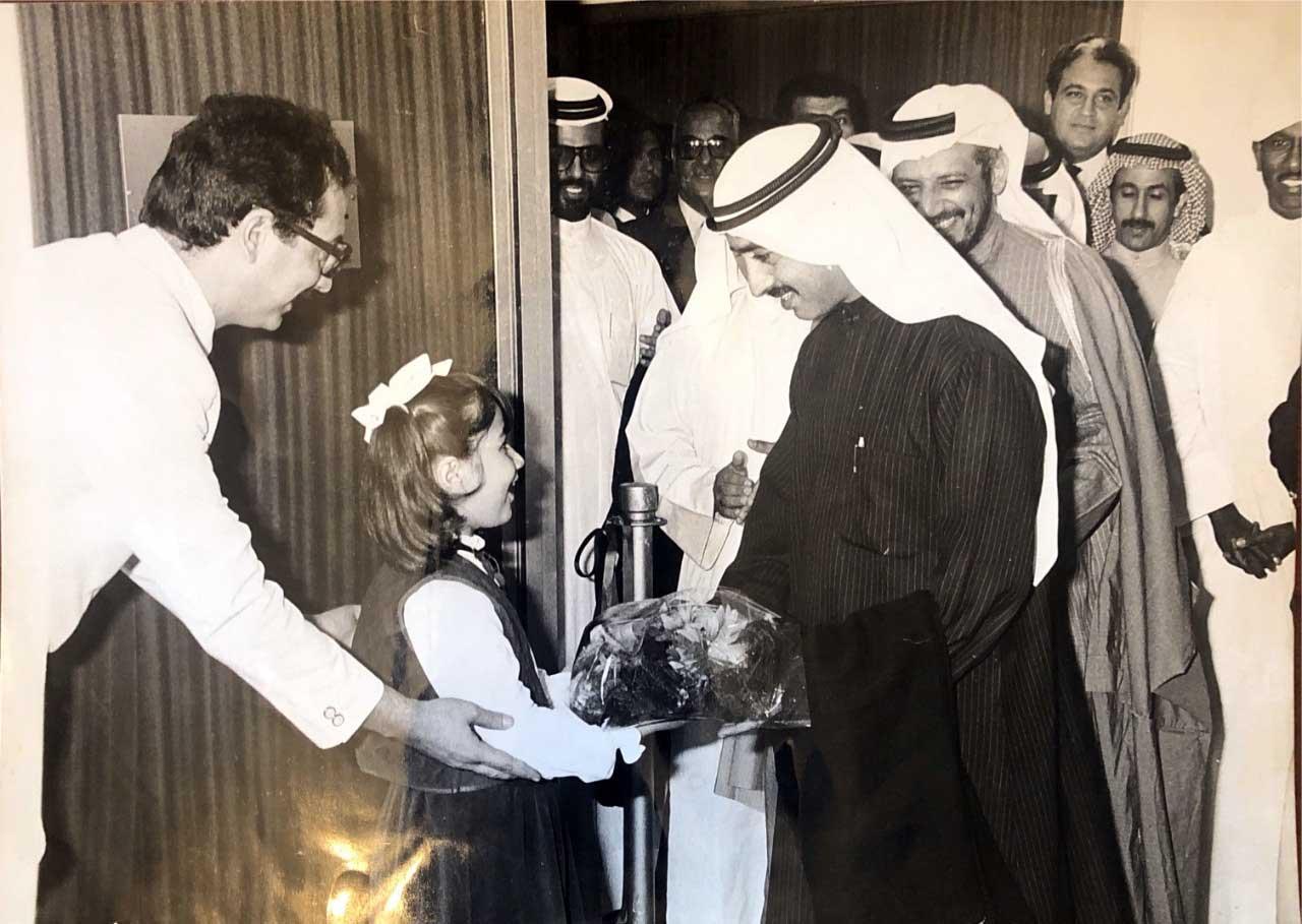 الصورة : افتتاح مقر جمعية المهندسين في دبي عام 1984