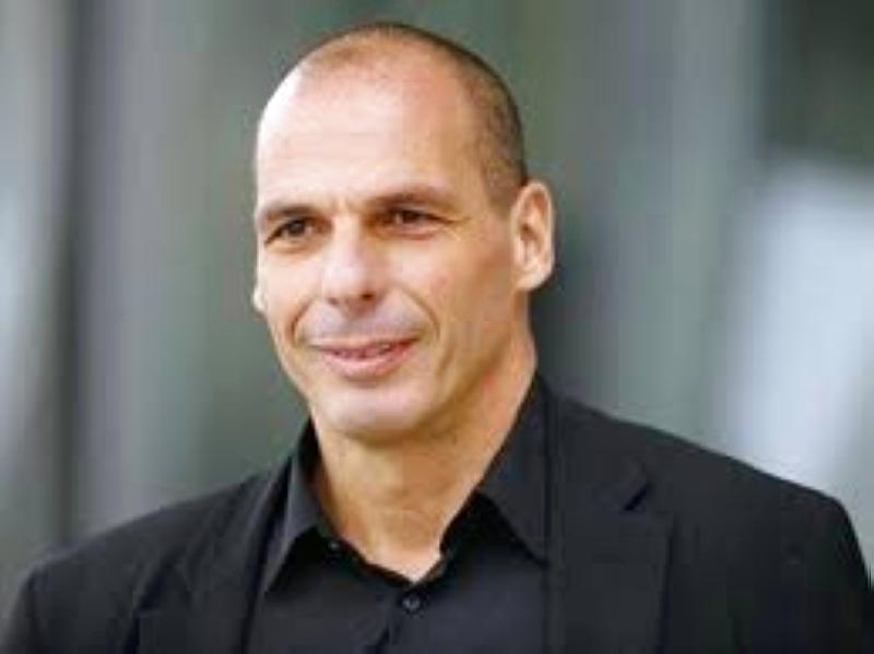 الصورة : يانيس فاروفاكيس - وزير مالية اليونان، سابقاً، ويشغل حالياً منصب زعيم حزب جبهة العصيان الواقعي الأوروبي.